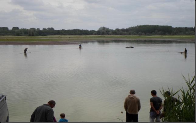 Halmentő-halászat-a-Fancsika-I-es-tavon-600x450